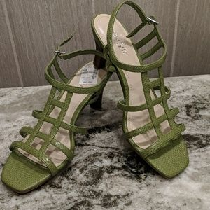 NWT East5th Green Snakeskin Heeled Sandal